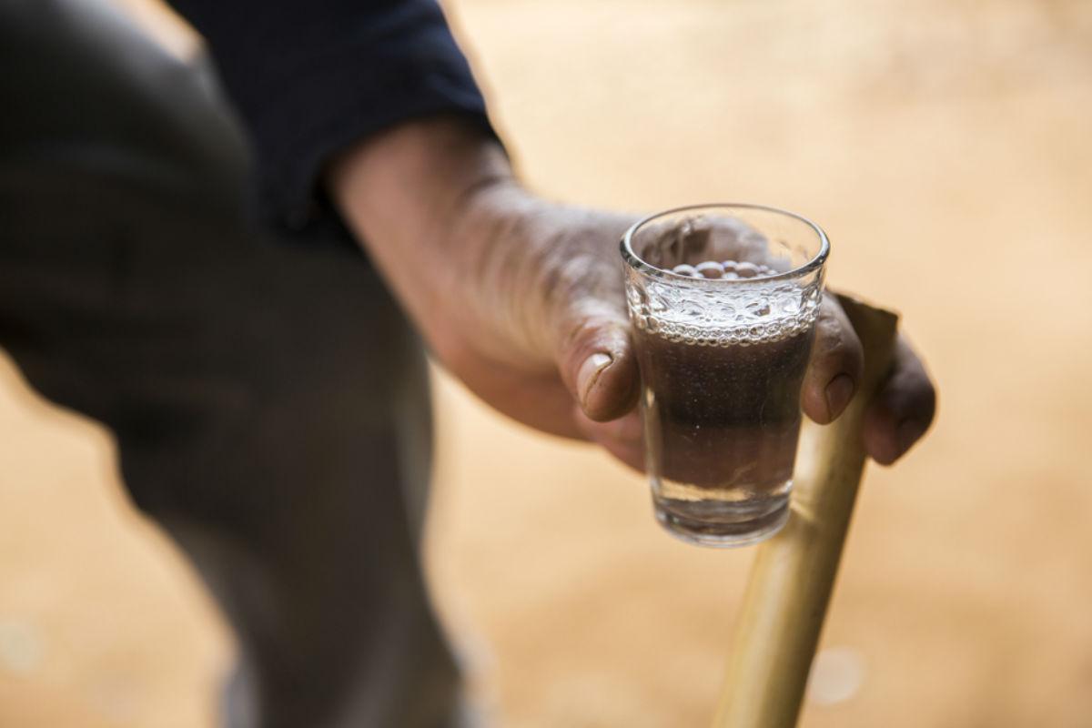tomar-mezcal-alcohol-perfecto-charanda-festival-del-mezcal-maestros-del-mezcal tiene tu salud