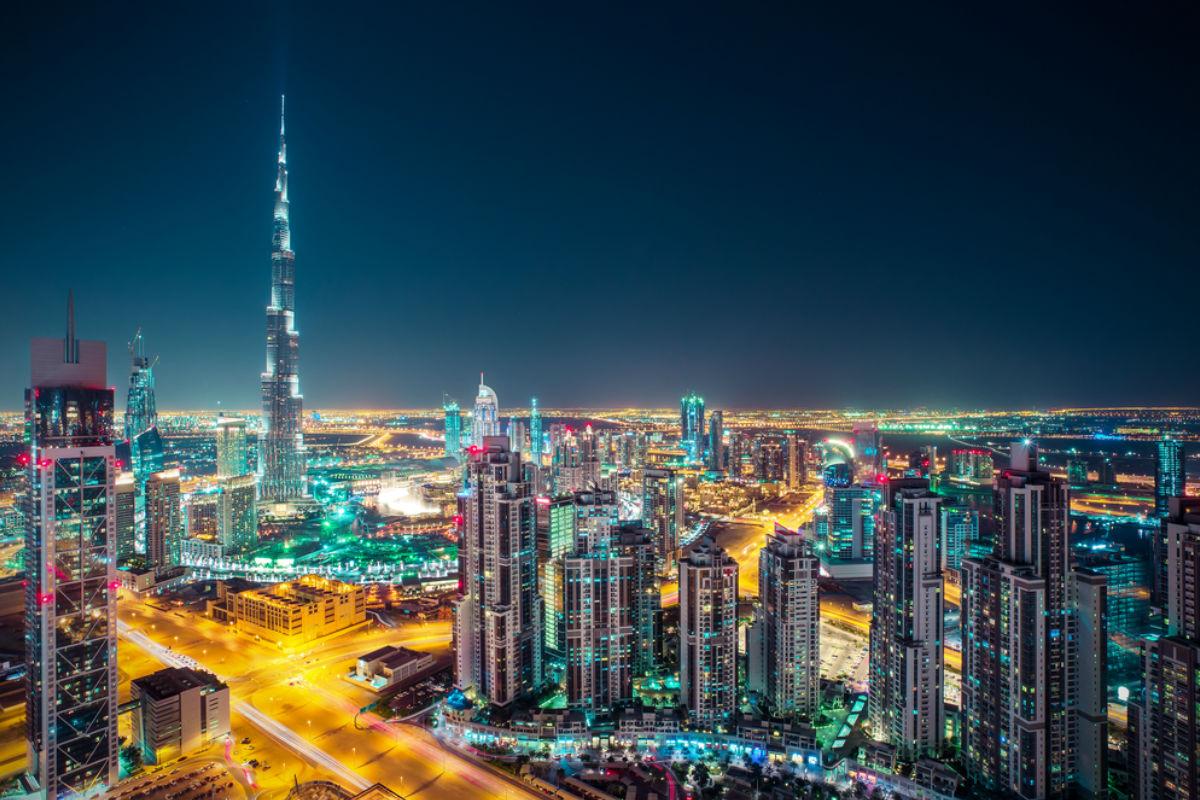 dubai noche rascacielos edificio torre