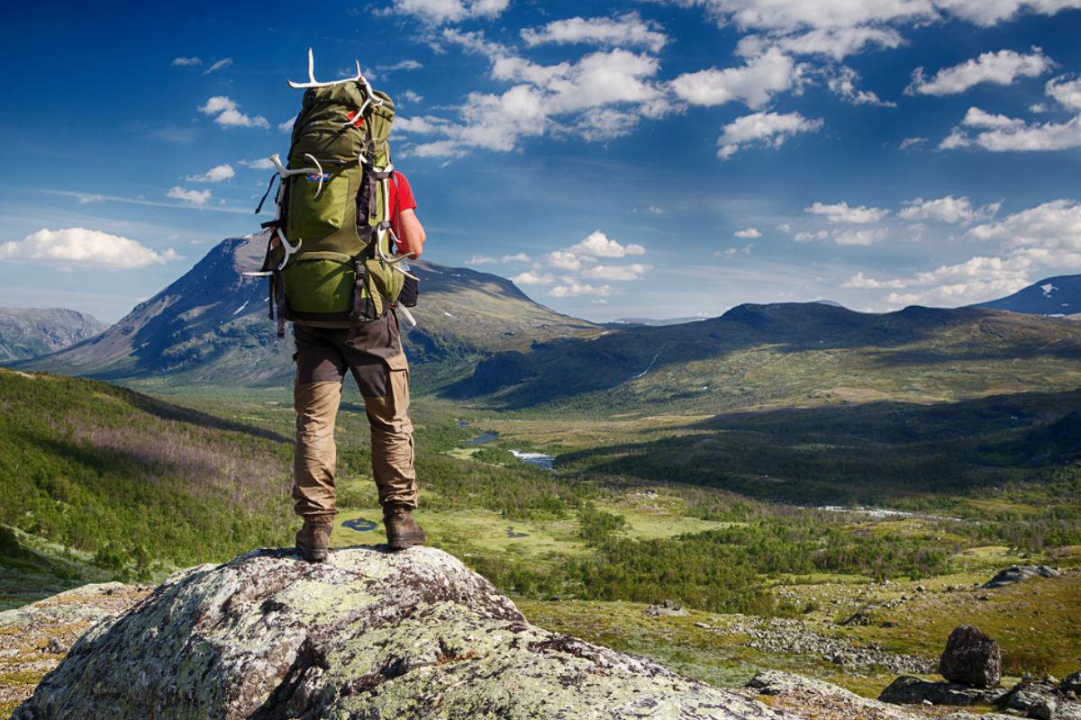 suecia Kungsleden senderismo montanas paisaje acampar