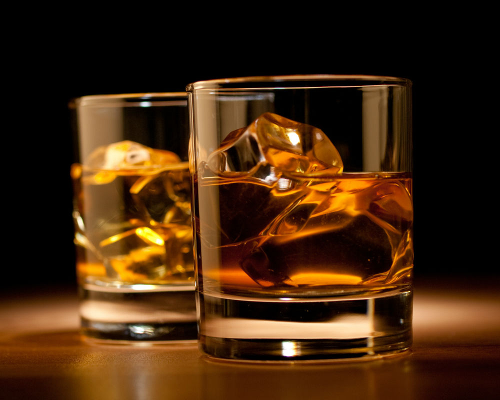 whisky_vasos black whiskey