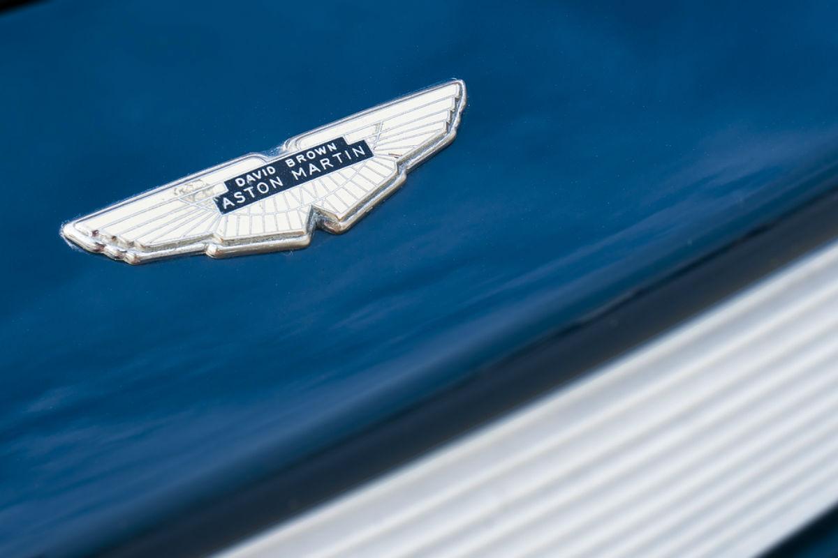 aston martin- automóvil volador-mundo