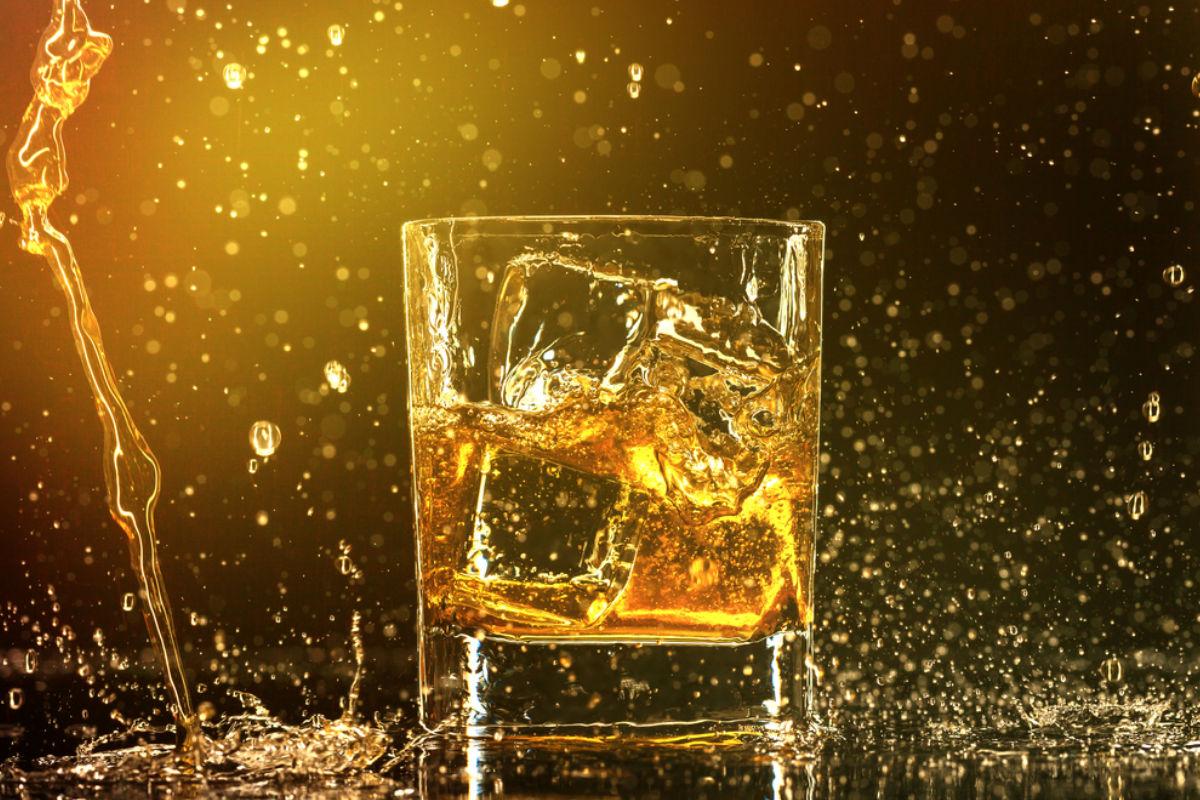 whisky coñac alcohol