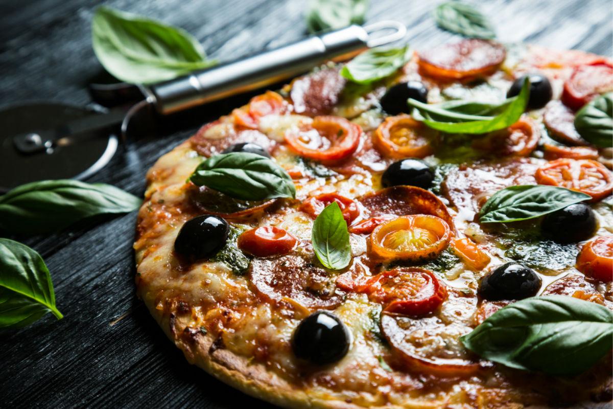 pizza comida italiana aceitunas