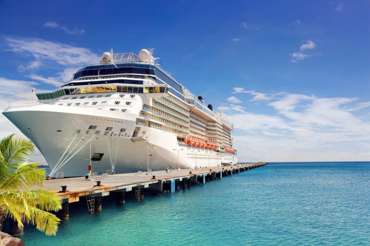 yate crucero lujo mar vacaciones playa