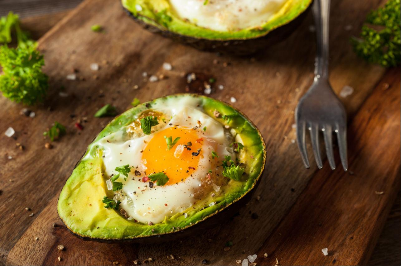 aguacate huevo comida platillo