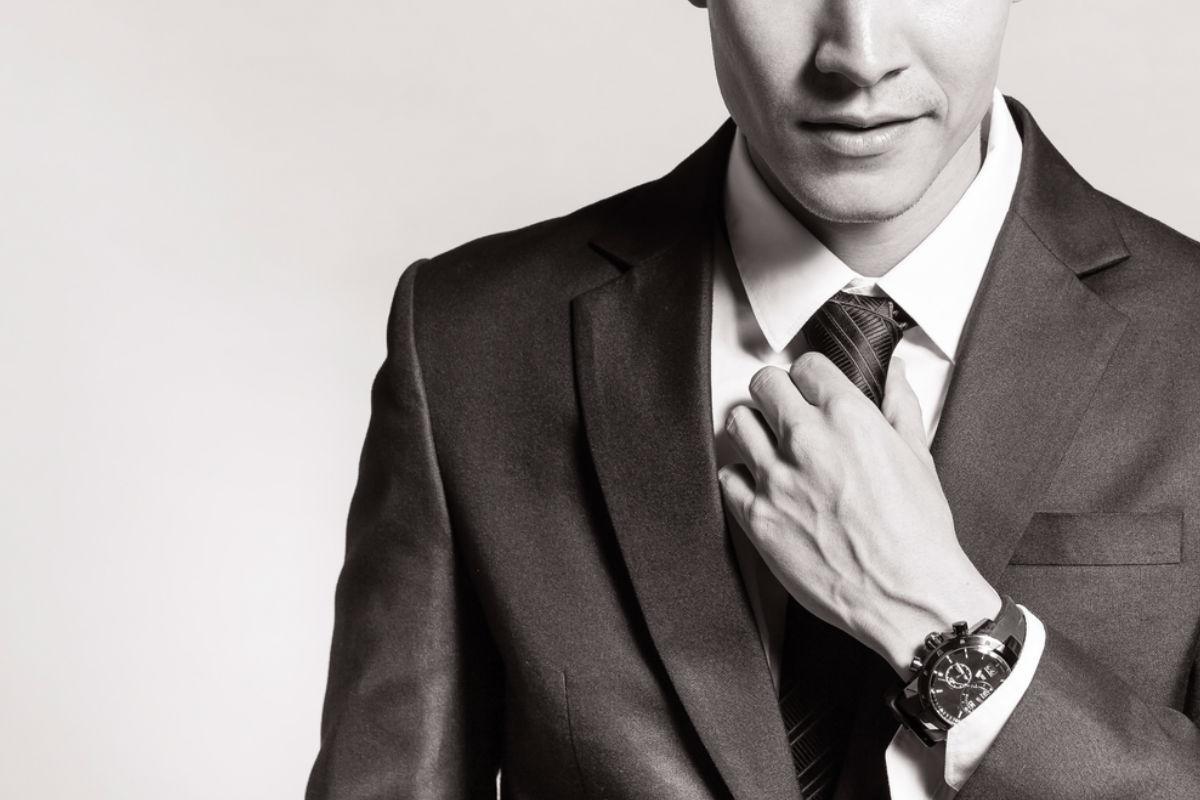 hombre corbata traje camisa reloj saco elegante