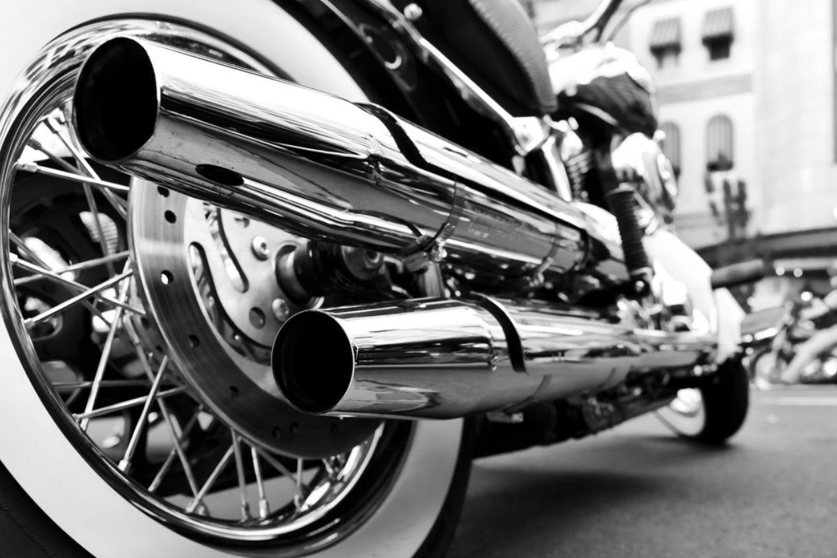 motocicleta rueda llanta escape harley davidson