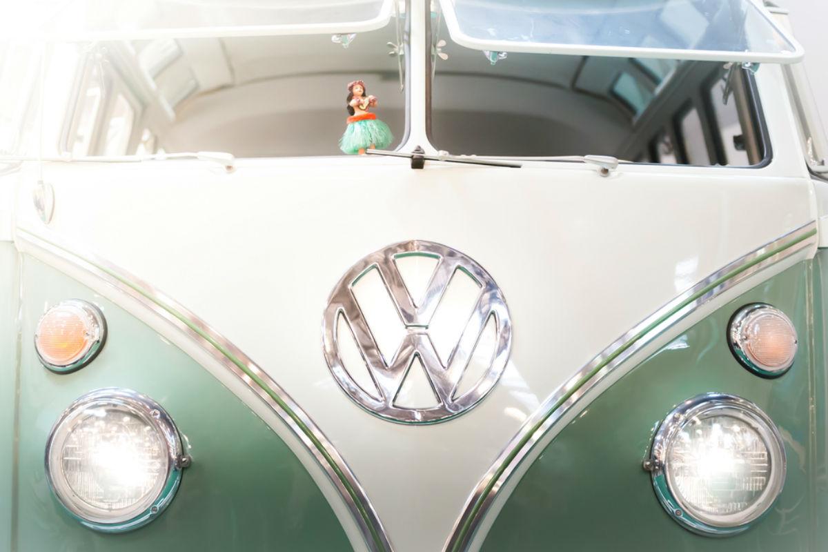 volkswagen vw van camioneta vintage oldie retro hippie buzz id