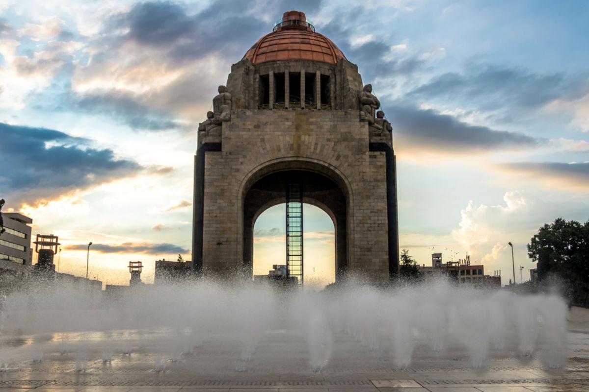 empresas-apoyo-mexico-terremoto-Monumento a la Revolución