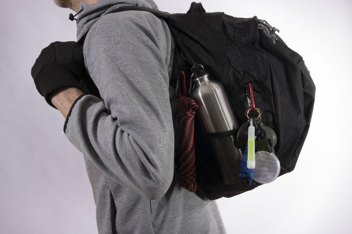C mo armar una mochila de supervivencia for Como colocar una mochila de inodoro