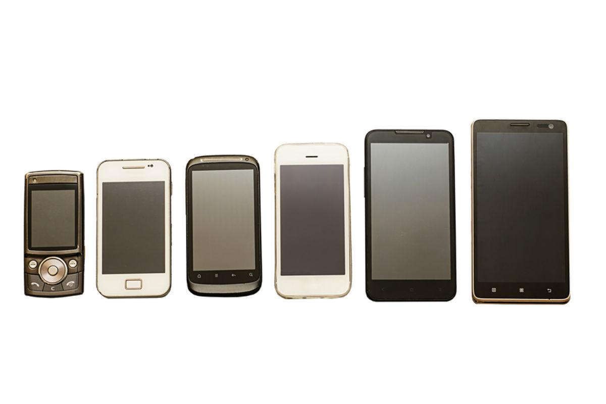 celular-mas-pequeño-mundo