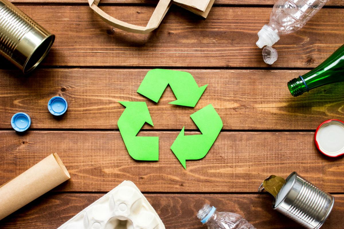 escuela-hecha-material-reciclado