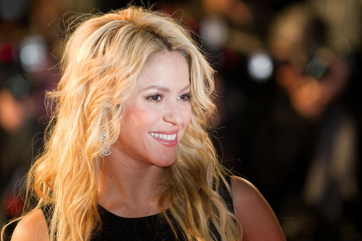 Shakira- mujer difícil-medio-tiempo