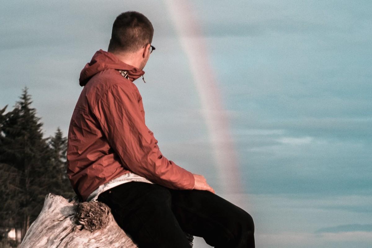 no-vencerte-ante-fracasos-arcoiris hombre seductor tímido